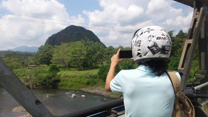 Menuju Gunung Hantanung, Wisatawan akan Dimanjakan Pemandangan Ini