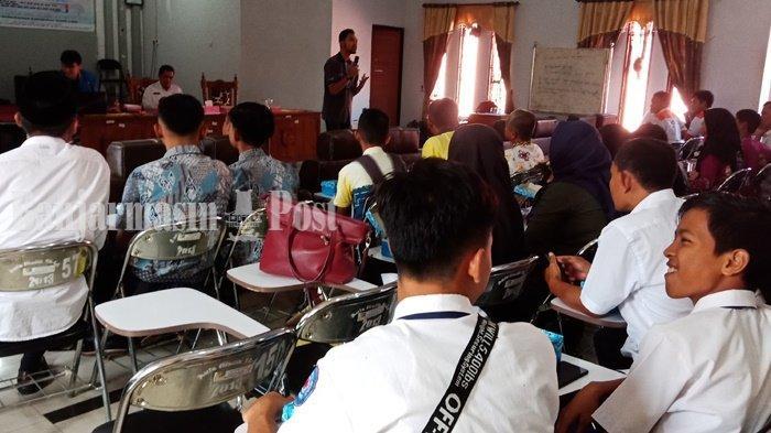 Pelajar dari 33 Sekolah Belajar Robotik di Aula Disdikbud Kabupaten Tanahlaut