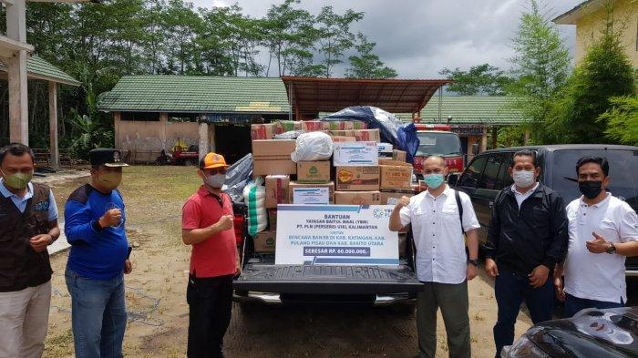 YBM PLN UIKL Kalimantan dan YBM PLN UPDK Palangkaraya Bantu Sembako untuk Korban Banjir Kalteng