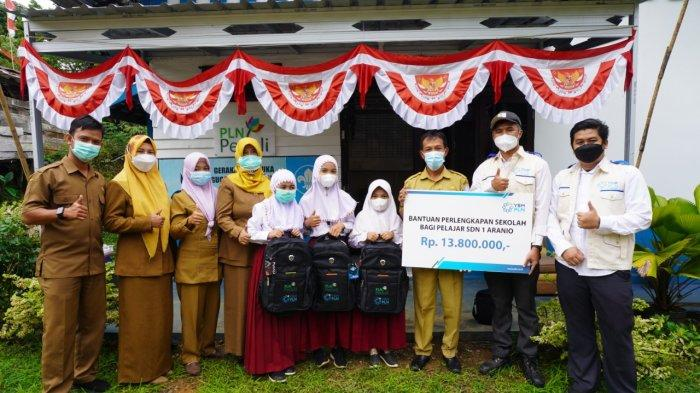 YBM PLN UP2B Kalimantan juga bersemangat untuk memberikan bantuan adik-adik santri dari Pondok Pesantren Waratsatul Fuqaha di daerah Guntung Manggis Kota Banjarbaru dan Pondok Pesantren Raudhatun Nasyi'in di daerah Cempaka