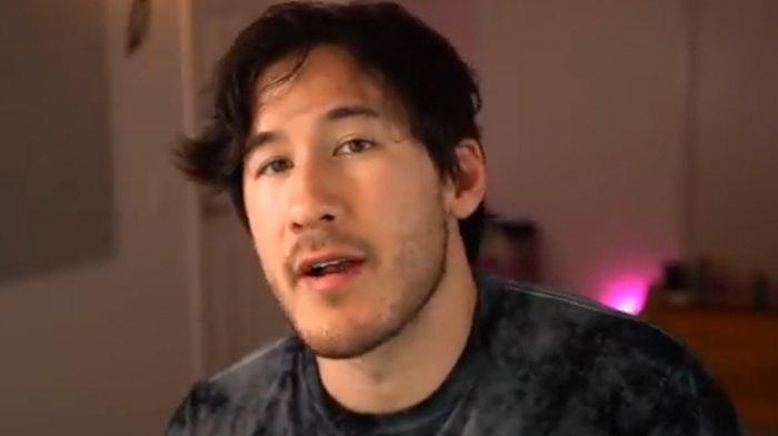 YouTuber Mark Fischbach (Markiplier).