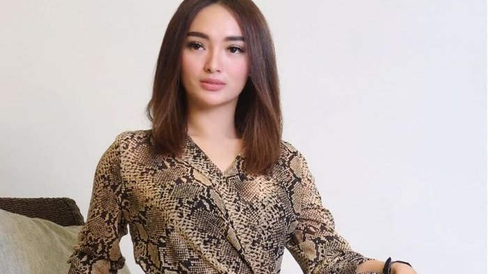 Video Zaskia Gotik Masak Pakai Baju Seksi & Singgung Pacar Disorot, untuk Sirajuddin Mahmud?