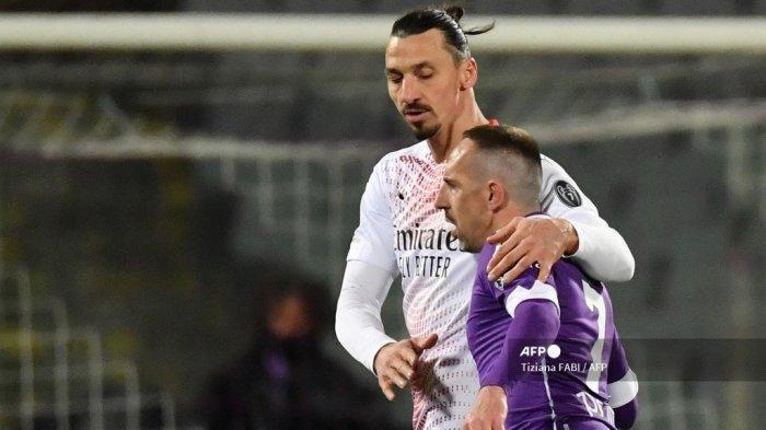 Ibrahimovic Tetap Bertahan di AC Milan, Striker Swedia Katakan Atmosfir Setan Merah Memang Bagus