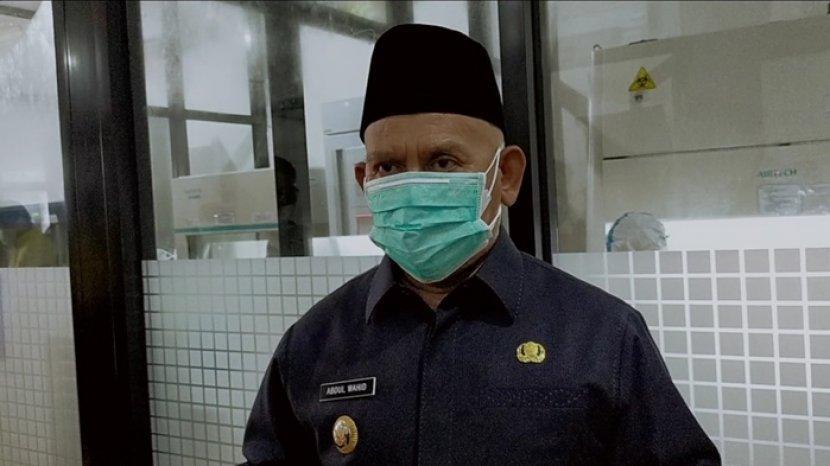 bupati-hsu-h-abdul-wahid-hk-menyatakan-siap-menjalani-vaksinasi-covid-19.jpg