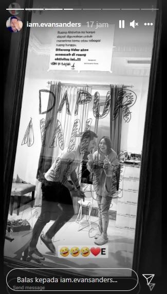 Kedekatan Evan Sanders dan Amanda Manopo di lokasi syuting