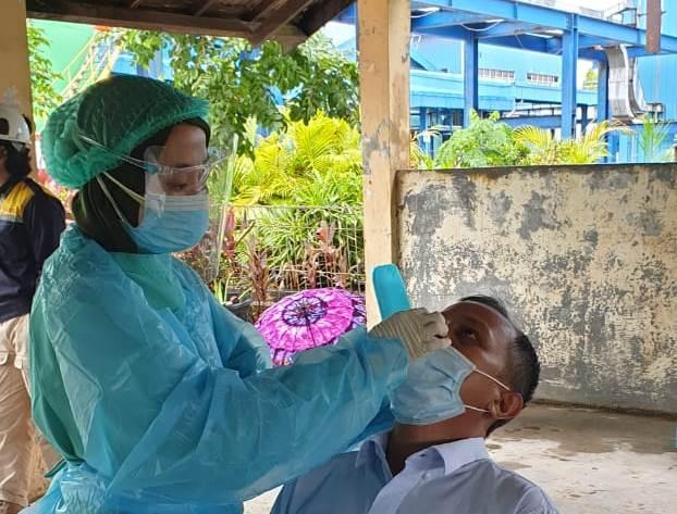 screening test massal melalui swab antigen diselenggarakan oleh manajemen PT PLN (Persero) Unit Pelaksana Pembangkitan Asam Asam