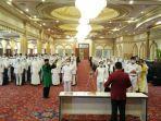 105-lulusan-stikes-intan-martapura-diambil-sumpahnya-sebagai-perawat-di-aula-q-mall-banjarbaru.jpg
