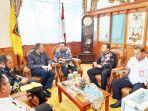 20191211dhody-perwakilan-kedubes-as-di-indonesia-berbincang-dengan-ketua-dprd-kalsel.jpg