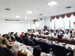 20200302dhody-rapat-audiensi-komisi-ii-dprd-kalsel-be.jpg