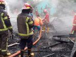 20200930_damkar-banjar-sektor-gambut_proses-pemadaman-api-oleh-puluhan-anggota-bpk.jpg