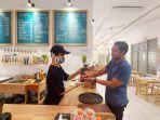 8-kopi-kafe-di-jalan-mawar-kelurahan-kertak-baru-ilir-banjarmasin-kalsel-selasa-08062021.jpg