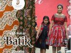 aksi-annisa-yudhoyono-dan-putrinya-almira-saat-mempromosikan-batik.jpg