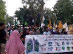 aksi-damai-save-meratus-mahasiswa-lsm-ormas-dan-aktivis-lingkungan-di-hst.jpg
