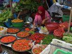 aktivitas-pedagang-di-depan-pasar-rakyat-kandangan-jalan-hm-yusi-jumat.jpg