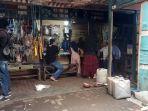 aktivitas-pedagang-di-los-pasar-blok-g-komplek-pasar-kemakmuran-kotabaru.jpg