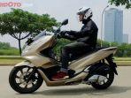 all-new-honda-pcx-150-2018-menyabet-gelar-bike-of-the-year_20180328_180538.jpg