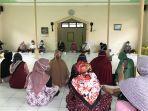 anggota-dprd-banjarbaru-liana-ssos-menyerap-aspirasi-masyarakat-melalui-kegiatan-reses.jpg