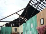 angin-puting-beliung-melanda-desa-sei-tatas-rt-04-kecamatan-pulau-petak-kabupaten-kapuas.jpg