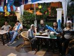 angkringan-hotel-roditha-menggelar-nonton-bareng-setiap-hari_20180627_123718.jpg