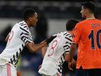 anthony-martial-kiri-dalam-pertandingan-istanbul-basaksehir-vs-man-united.jpg