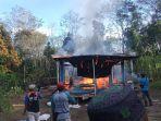 api-membakar-rumah-warga-desa-loktangga-karang-intan-kabupaten-banjar.jpg