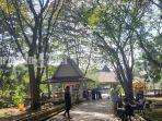 area-hutan-kota-di-candi-agung-amuntai-kabupaten-hsu-kalsel-minggu-01082021.jpg