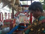 arwandi-penjual-ketoprak-keliling_20180405_005507.jpg