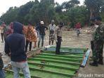bangkai-kapal-ditemukan-di-sekitar-mayat-asal-sumenep-desa-oka-oka-kotabaru.jpg