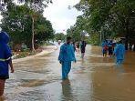 banjir-di-jalan-lingkar-utara-guntung-payung.jpg