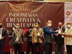 bank-kalsel-terima-penghargaan-di-ajang-indonesian-creativity-and-best-leader-award-2021.jpg