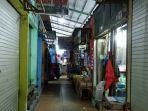 beberapa-toko-di-blok-a-pasar-pekauman_20180620_180426.jpg