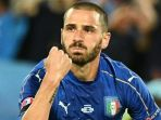 bek-italia-leonardo-bonucci-melakukan-selebrasi-usai-mencetak-gol-ke-gawang-jerman_20180327_072555.jpg