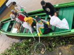 bersih-bersih-sungai-memperingati-wcd-2020.jpg
