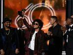 bruno-mars-raih-penghargaan-grammy-awards-2018_20180129_113239.jpg