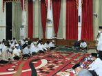 buka-puasa-wali-kota-hm-aditya-mufti-ariffin-wakil-wali-kota-wartono-camat-banjarbaru-utara-28042021.jpg