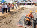 bupati-ansharuddin-saat-menyaksikan-mud-rescue-challenge_20181024_192403.jpg