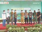 bupati-balangan-abdul-hadi-menerima-bantuan-9-ribu-vaksin-pt-adaro-indonesia.jpg