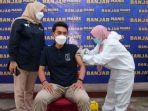 bupati-banjar-h-saidi-mansyur-saat-vaksinasi-tahap-ke-ii.jpg