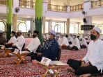 bupati-banjar-saidi-mansyur-hadiri-istighosah-dan-doa-bersama-di-masjid-agung-al-karomah-01092021.jpg