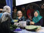 bupati-hss-h-achmad-fikry-bersama-istri-hj-isnaniah-mengunjungi-warung-kuliner-t-kurat.jpg