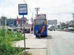 bus-rapid-transit-brt-banjarbakula-turunkan-penumpang-di-guntung-payung-banjabaru-10092021.jpg