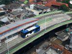 bus-transjakarta-melintas-di-koridor-13-ciledug-tendean-di-kawasan-kebayoran-lama.jpg