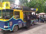 bus-wisata-bajajalanan-banjarmasin-berlokasi-di-taman-siring-0-km11.jpg