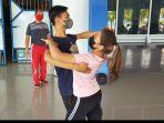 cinta-saat-latihan-dance-waltz.jpg