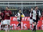 cristiano-ronaldo-mencetak-gol-penyelamat-juventus-dari-kekalahan-vs-ac-milan-di-coppa-italia.jpg