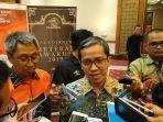 direktur-jaringan-dan-layanan-keuangan-pt-pos-indonesia.jpg