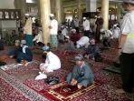 diskominfostandi-physical-distancing-di-dalam-masjid-al-karomah-martapura.jpg