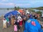 dr-rizki-agmalia-sorayya-bersama-rekan-relawan-saat-menyalurkan-bantuan-2.jpg