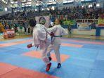 dua-karateka-tengah-bertarung.jpg