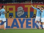 dua-pemain-manchester-city-kevin-de-bruyne-dan-sergio-aguero_20180214_060122.jpg